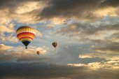 Hot-air balloons in sky — Stock Photo