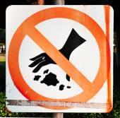 Do not throw rubbish sign — Stock Photo