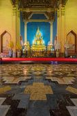 Golden buddha sculpture — Stock Photo