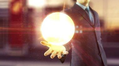 Homme d'affaires tenez au dessus de la main numérique réseau et internet concept global — Vidéo