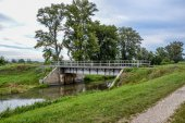 Railroad bridge on countryside — Stock Photo
