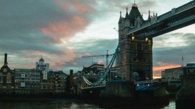 Sunset at Tower Bridge — ストックビデオ
