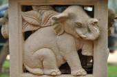 Elephant statues delicate and beautiful. — Stock Photo