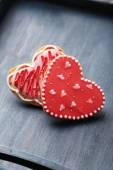 Czerwone serca ciasteczka — Zdjęcie stockowe