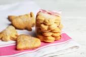 Galletas dulces en servilleta — Foto de Stock