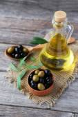 Green and black olives — Stock Photo