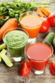 Fresh tomato, carrot and cucumber juice — Foto de Stock