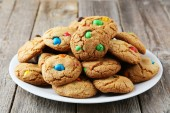 Cookies with colorful candy — Foto Stock