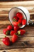 Taza de fresas frescas — Foto de Stock