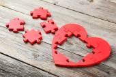 Červená puzzle srdce — Stock fotografie