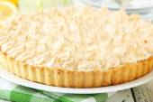 Lemon meringue pie on plate — Stock Photo