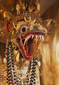 Decorative and golden dragon head — Стоковое фото