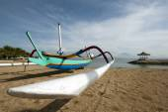 Traditionellen balinesischen Fischerboot — Stockfoto