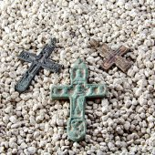 Old crosses in the sand — Stock Photo