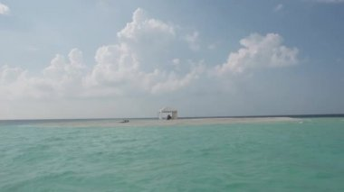 Sandbank In The Maldivian Sea — Vídeo de Stock