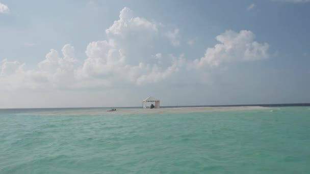 Sandbank In The Maldivian Sea — Vidéo
