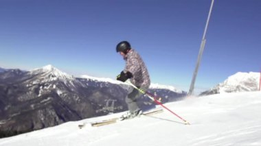 Skier Stopping And Spraying Snow — Stock Video