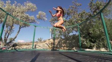 Woman Doing The Splits — Stock Video
