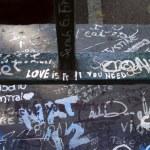 Постер, плакат: Love is all you need