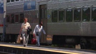 Metra train commuters — Stock Video