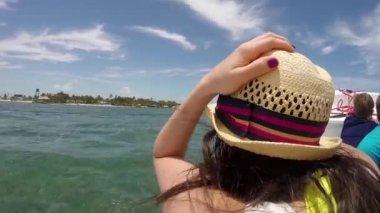 Female on a boat cruising the Caribbean Sea — Stock Video