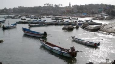 Indian fishing boats moored in fishing village — Stock Video