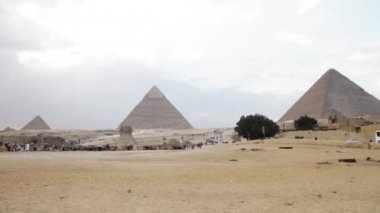 Pyramids of Giza and The Great Sphinx of Giza — Stock Video