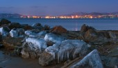 View of the port of Nakhodka in the early winter morning. — Stockfoto
