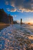 Foamy surf on the coast of the warm sea. — Stock Photo