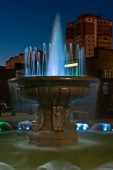 Beautiful fountain in the evening. Nakhodka city. Far East of Russia. 22.09.2013 — Stock Photo