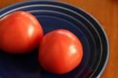 Round slices of tomato — Stock Photo
