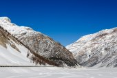 Beautiful views of the snow-capped mountains Alps. Livigno, Italy — Stock Photo