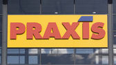 Praxis full Do-It-Yourself Center i — Stock Photo
