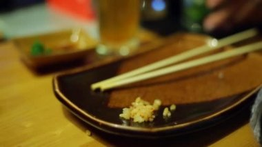 A table at sushi bar — Stok video