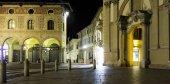 Vigevano, Piazza Ducale, night view. Color image — Stock Photo