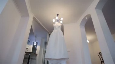 Wedding dress. Dolly, pan and close-up — Stock Video