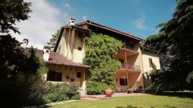 Italian villa with vineyard in summer. Villa Sparina. 9 shots in a sequence — Stock Video