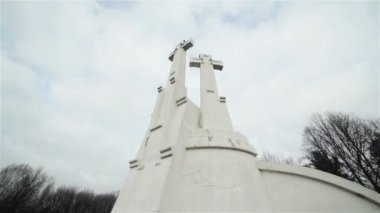 Three Crosses Monument in Vilnius, Lithuania. 4 shots in a sequence, pan — Stock Video