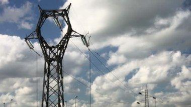 Alta torre eléctrica — Vídeo de Stock
