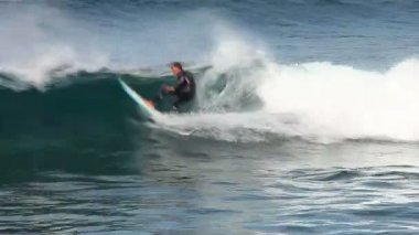 Surfer in action — Stock Video
