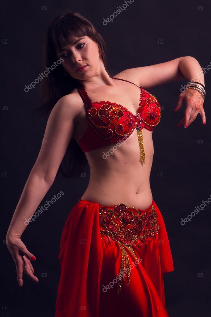 arap kızı süper dans ediyor sexsi dans arap dansçı mezdeke