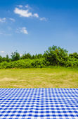 Empty table with landscape background — ストック写真