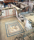 Excavations by archaeologists have revealed painted Roman fresco — Stock Photo