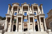Ephesus library of celcus in ancient ephesus, kusadasi, turkey — Stock Photo