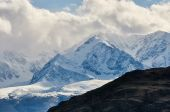 Mountains covered with snow in Altai — Stock Photo
