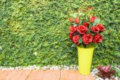 Red rose bouquet for Valentine day — Stock Photo