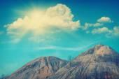 サンシャイン、ぼた山の上 — ストック写真