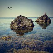 Crimea seascape on  rocky beach — Stock Photo
