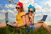 Two stylish girls in garden — Foto de Stock