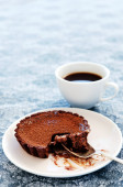 Half eaten chocolate tart  — Stock Photo